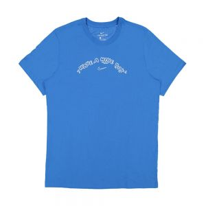 NIKE t-shirt have a nike